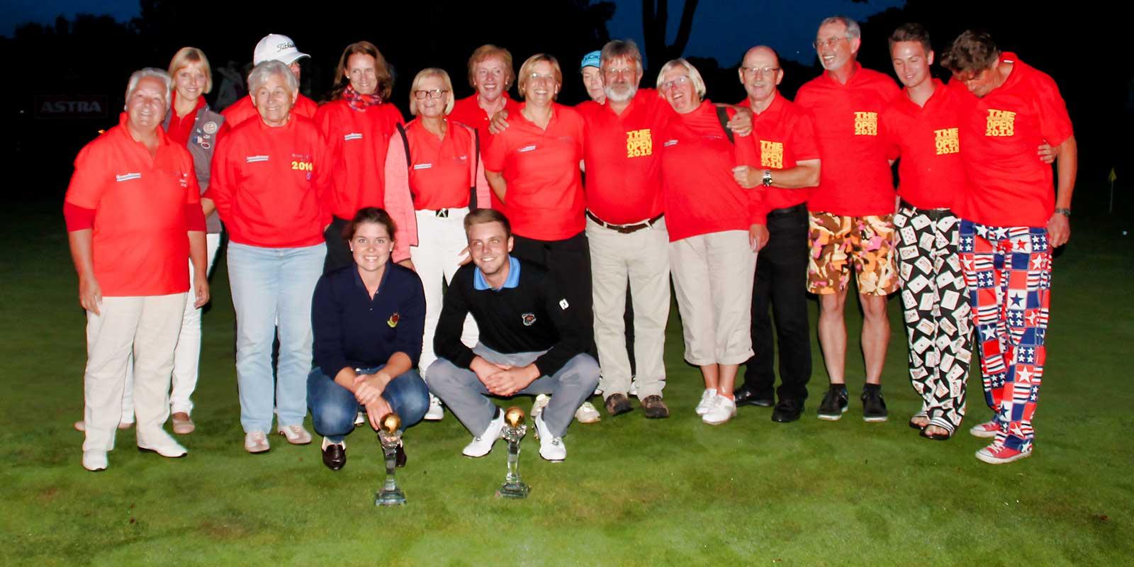 Open Sieger 2015: Jutta Alberts und Jan Alexander Siswick mit Helfern