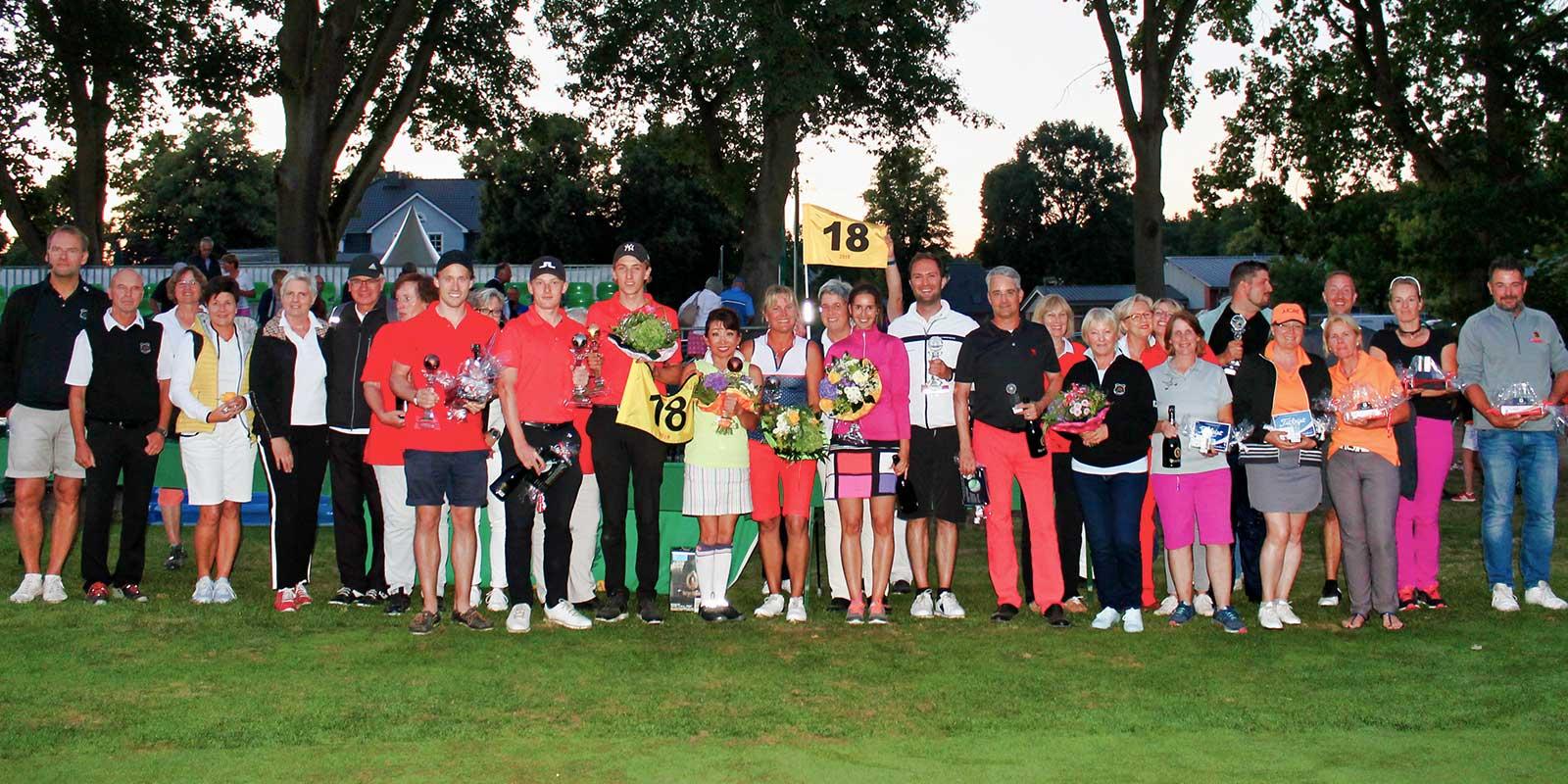 Open Sieger 2018: Lena-Juliane Mardfeldt und William Bredtved mit Platzierten